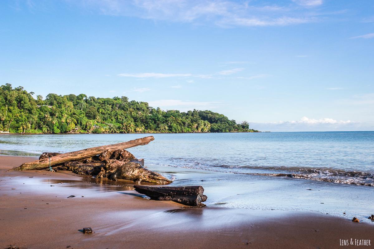 Strand bei Agujitas in Costa Rica