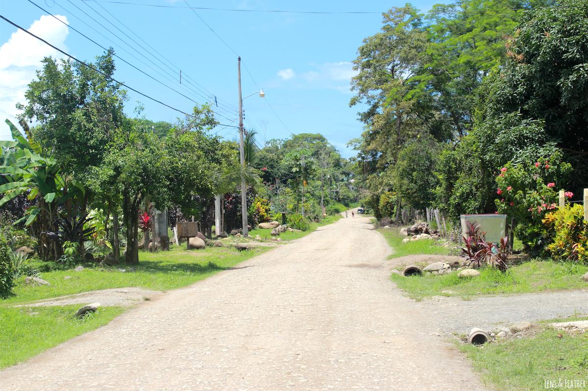 Auf dem Weg zum Strand in Bahía