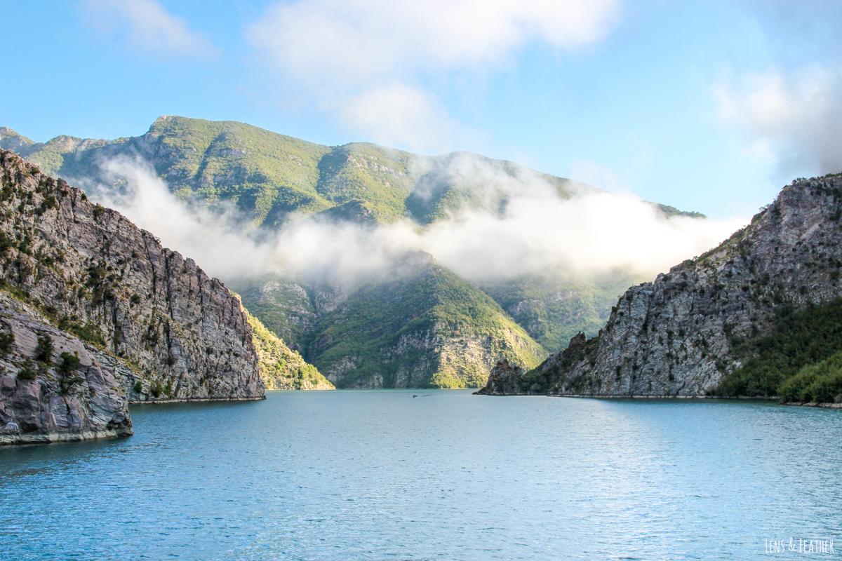 Aussicht von der Valbona Fähre in Albanien