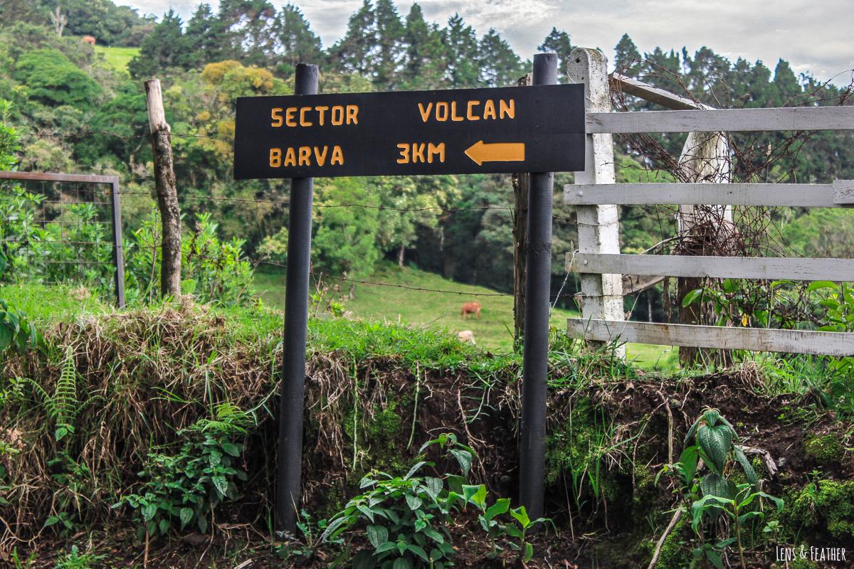 Schotterweg zum Vulkan Barva